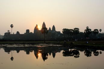 sunrise at Angkor wat over the lake