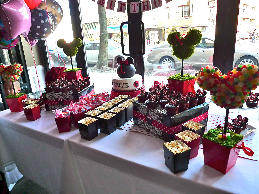 Emilie S Minnie Mouse Themed 1st Birthday Party