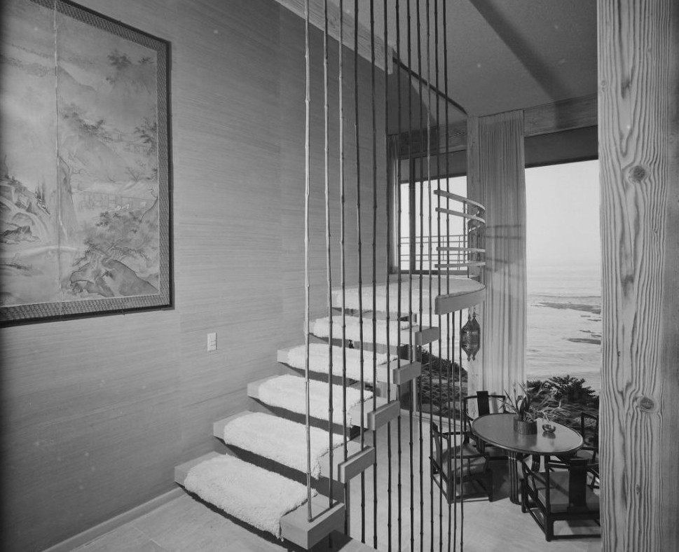 15 Mid Century Modern Dream Homes That Will K*Ll Your Children | Mid Century Stair Rail | Basement | Fixer Up | U Shape | Plywood | Hand
