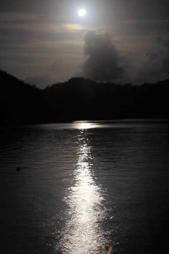 moonrise in palau