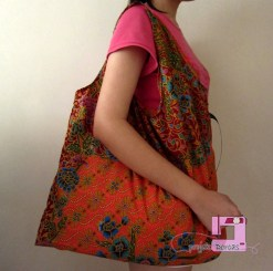 Batik fold-away shopping or beach bag