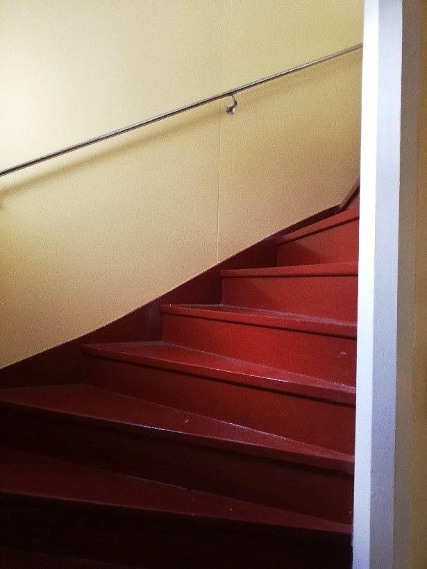 SÅLD! O'Larsgården i Åflo till salu – trappa.