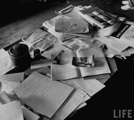 Biroul lui Albert Einstein fotografiat în data de 18 aprilie 1955