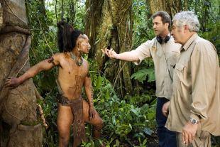 Mel Gibson regizând Apocalypto