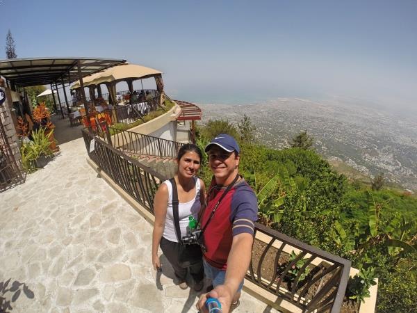 Vendo Porto Príncipe do alto do morro
