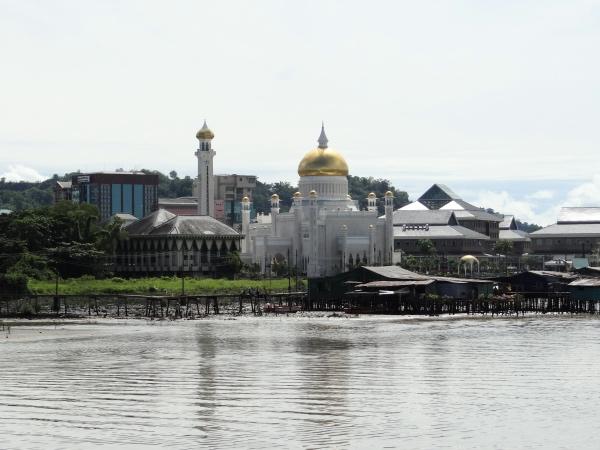 Mesquita de Omar Ali Saifuddin Brunei