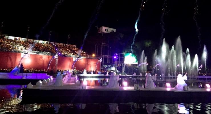 O show no lago do Natal Luz de Gramado