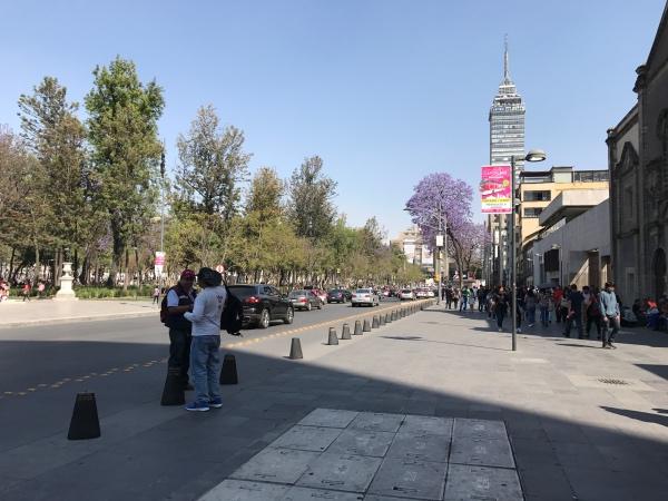 Torre Latinoamericana de dia