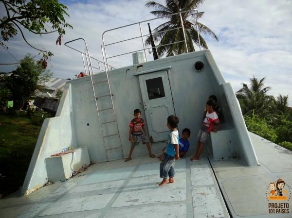 Banda Aceh barco no meio da cidade
