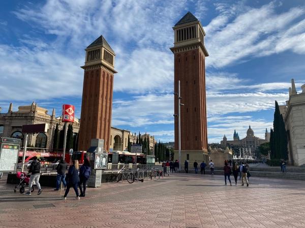 Torres Venecianes Plaza Espana
