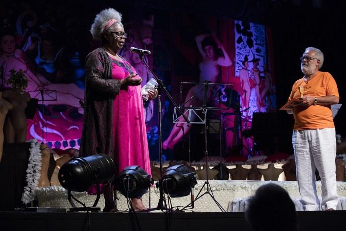 """A escritora Conceição Evaristo recebe o prêmio João Canuto de Direitos Humanos: """"O racismo está saindo do armário"""". Foto Marizilda Cruppe"""
