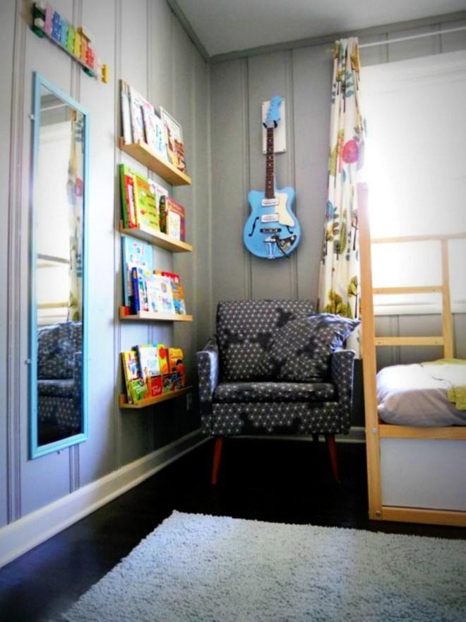 make-and-decorate-a-hug-and-a-reading-corner-in-the-nursery-12-796