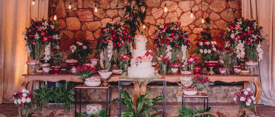 Decoração romântica e tons de rosa por Giselle Cardoso