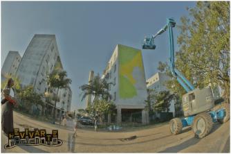 Mundano inicia o seu primeiro mural. Foto: Mateus Ávila