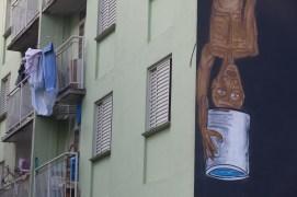 Detalhe do mural produzido pelo artista Fel.