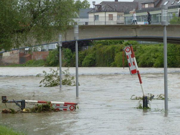 Für bundesweit mehr als 9.000 Hausbesitzer wird die Absicherung gegen Überschwemmung und Starkregen jetzt einfacher