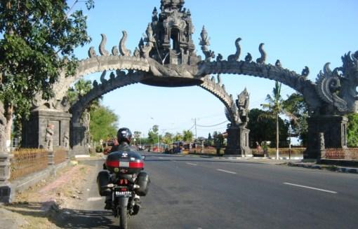 Tangerang - Lombok Part 1 ( Pantai Sluke, Pasirputih dan Pantai Bangsring )