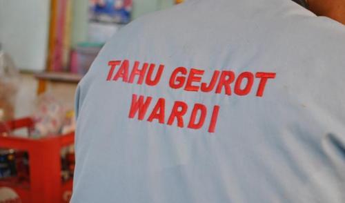 Tahu Gejrot Wardi, Pasar Kanoman Cirebon, Nyossss....
