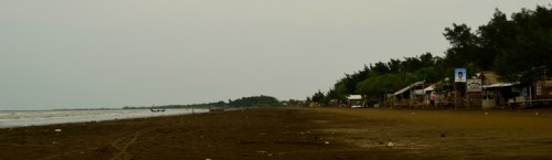 Bersantai di Pantai Tanjung Pakis, Pakis Jaya - Karawang