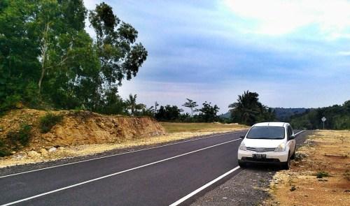 Nissan Grand Livina saat melintasi jalur Parangtritis - Wonosari
