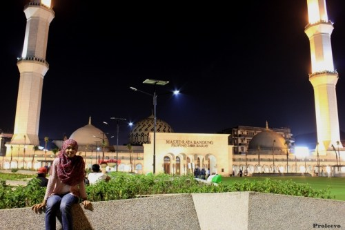 Alun alun kota Bandung Malam Hari 02