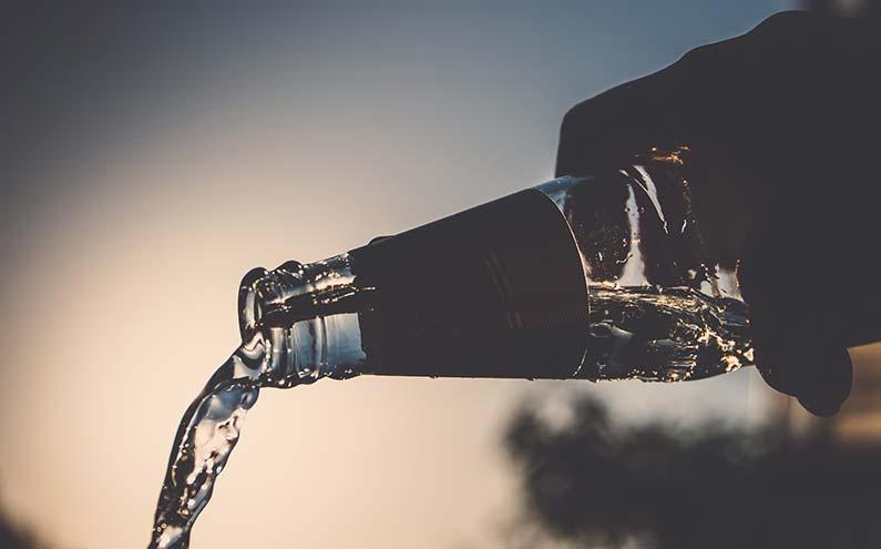Perhatikan-Izin-Edar-bagi-Air-Minum-Dalam-Kemasan