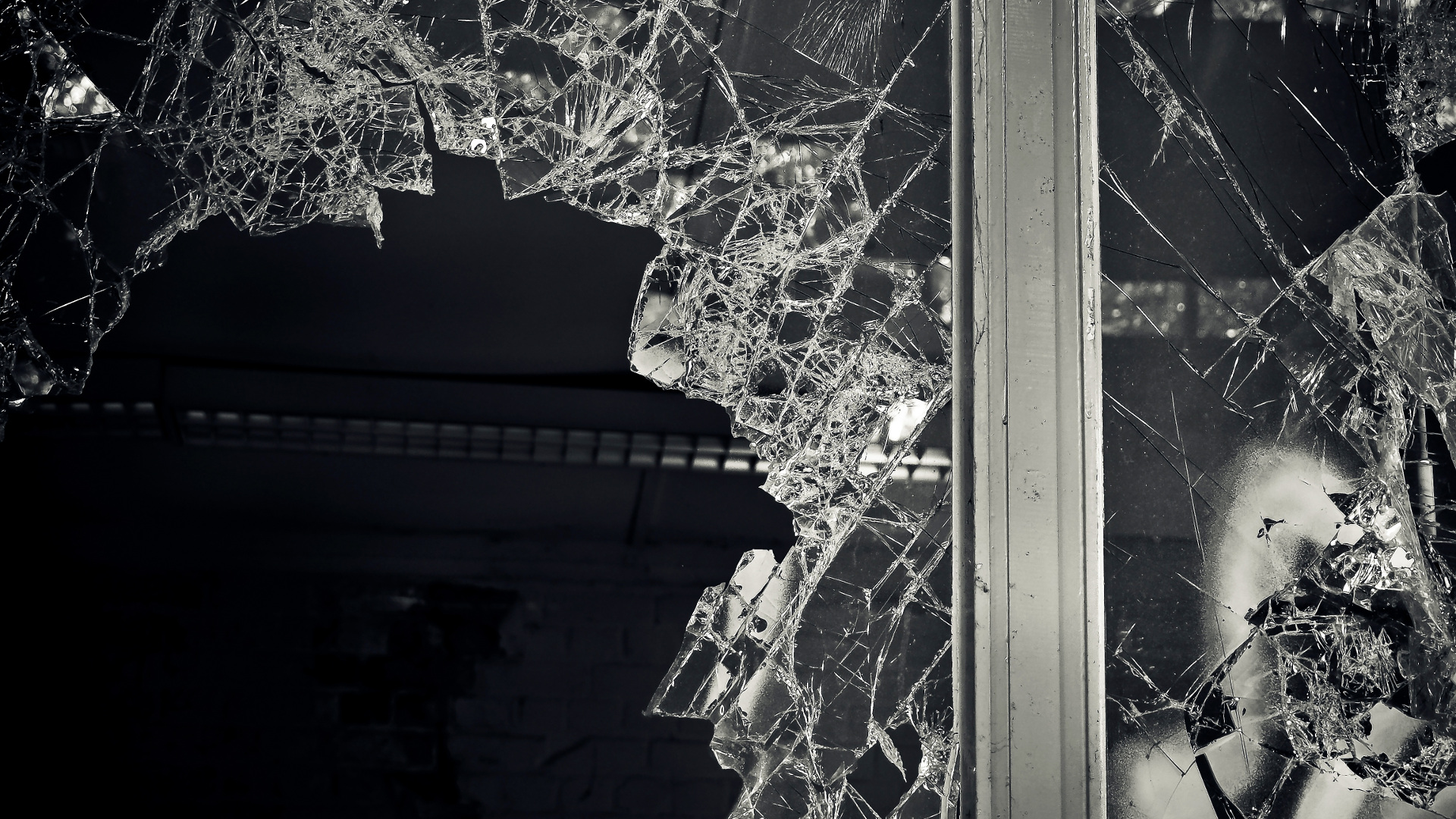 seguridad-ante-actos-vandalicos-con-laminas-solares-1920
