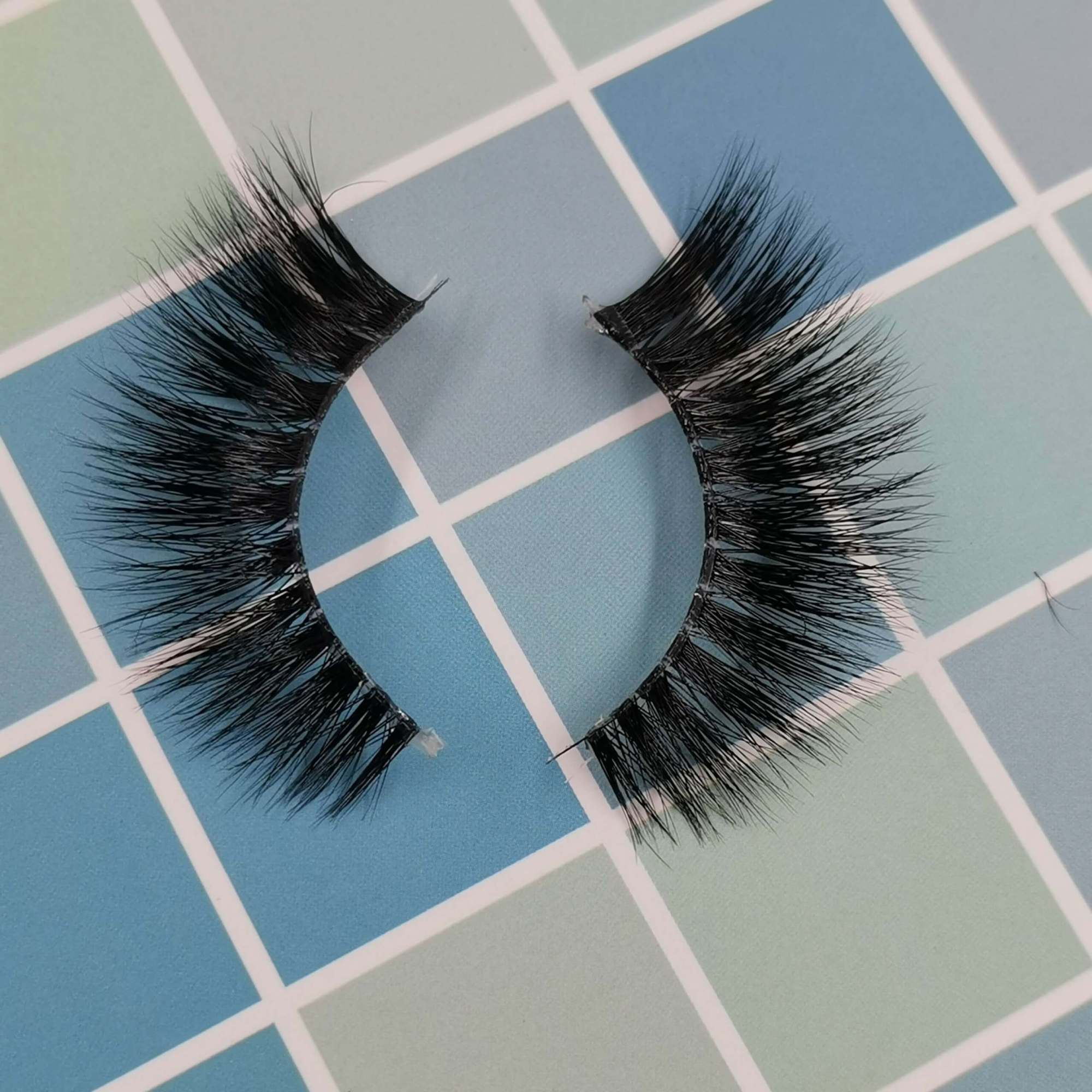A pair of mink eyelashes for your eye shape and its model is 3T50A. Trust me, ProluxuryLashes brand is the best eyelash supplier