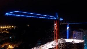 Контурная подсветка строительного крана дюралайтом