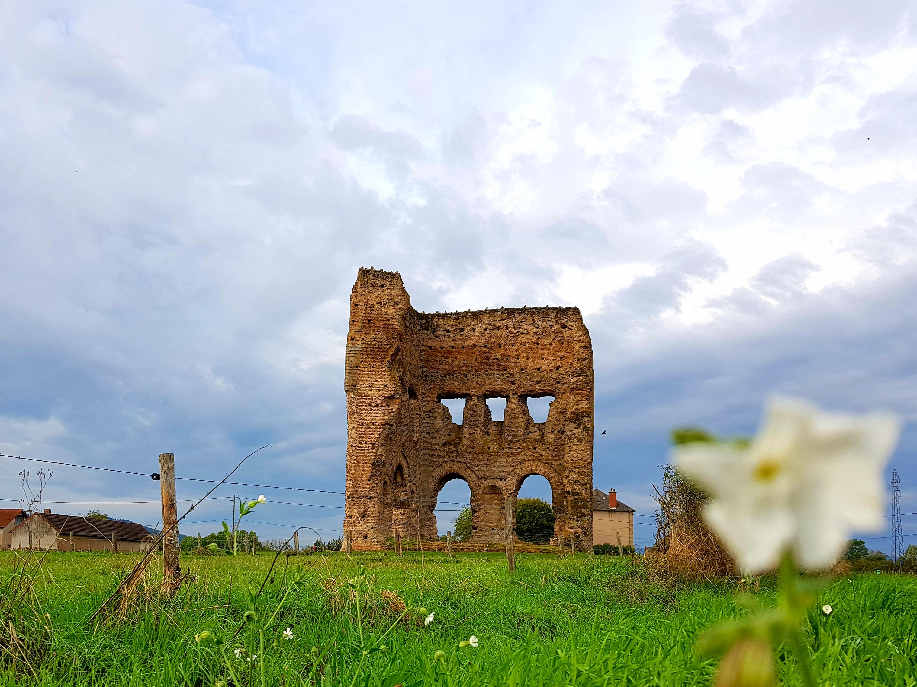 Autun (2. les vestiges romains)