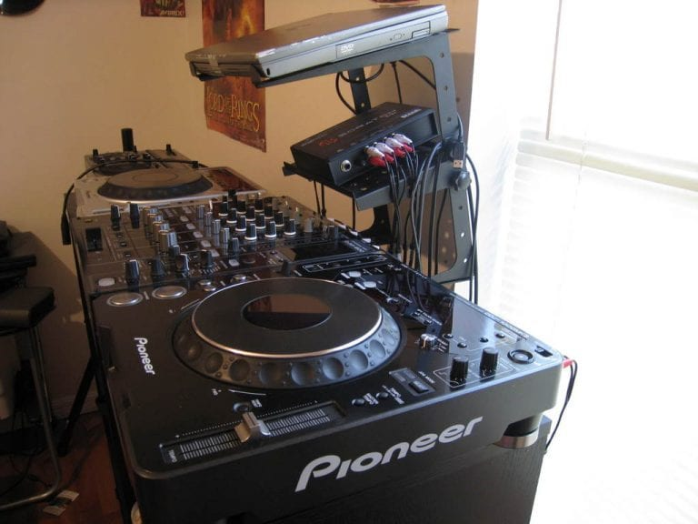 DJ-Set-Up-768×576-768×576