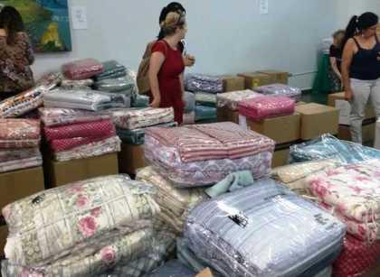APAE de Santo André promove bazar solidário MMartan com descontos de até 50% c9c5cc383a
