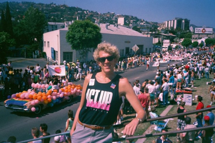 Tinseltown's Queer now everybody's Promo Homo!