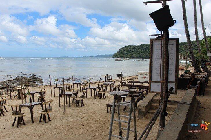 El Nido Beach - Dine By the beach