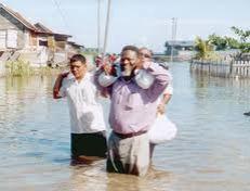 sam hinds delivering water in lethem