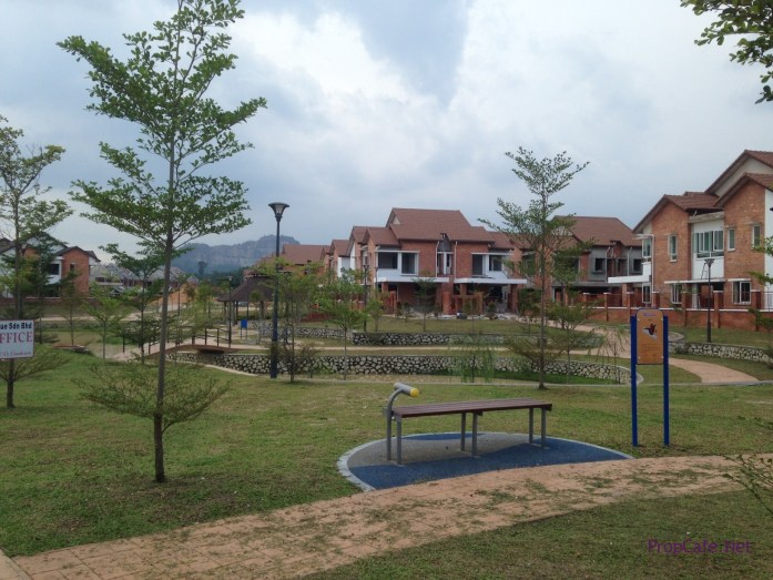 lush landscape, first in Sg Long