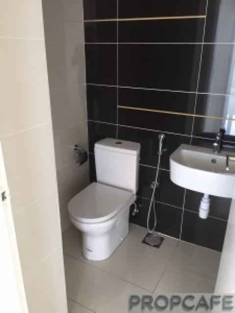 propcafe_skypod_toilet