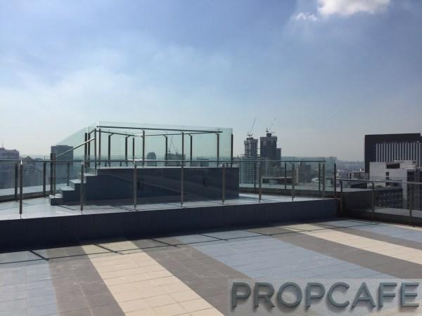 Avenue_D'vouge_rooftop2