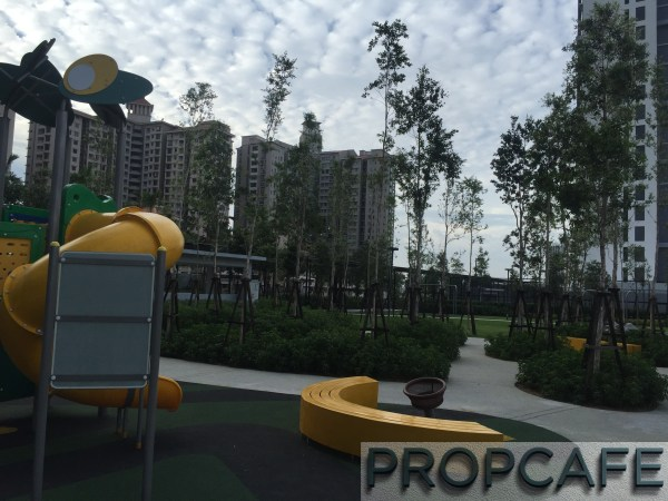 Tropicana_avenue_playground2