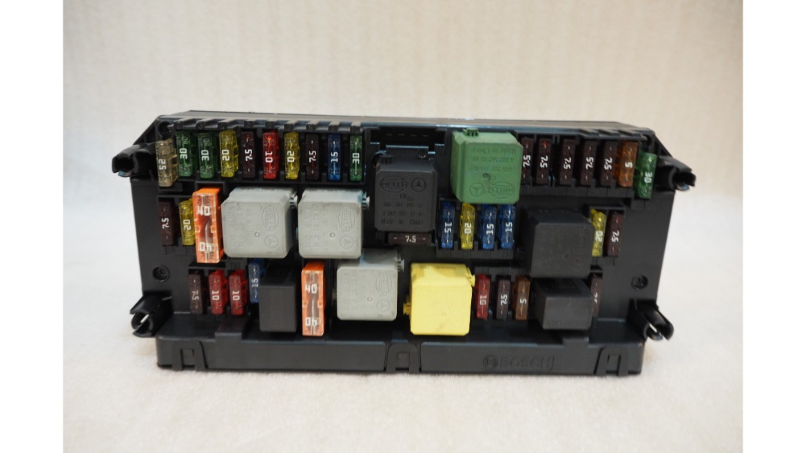 Mercedes Benz W212 W207 Control Sam Unit Fuse Box