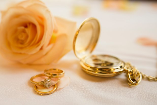 special details from spring wedding
