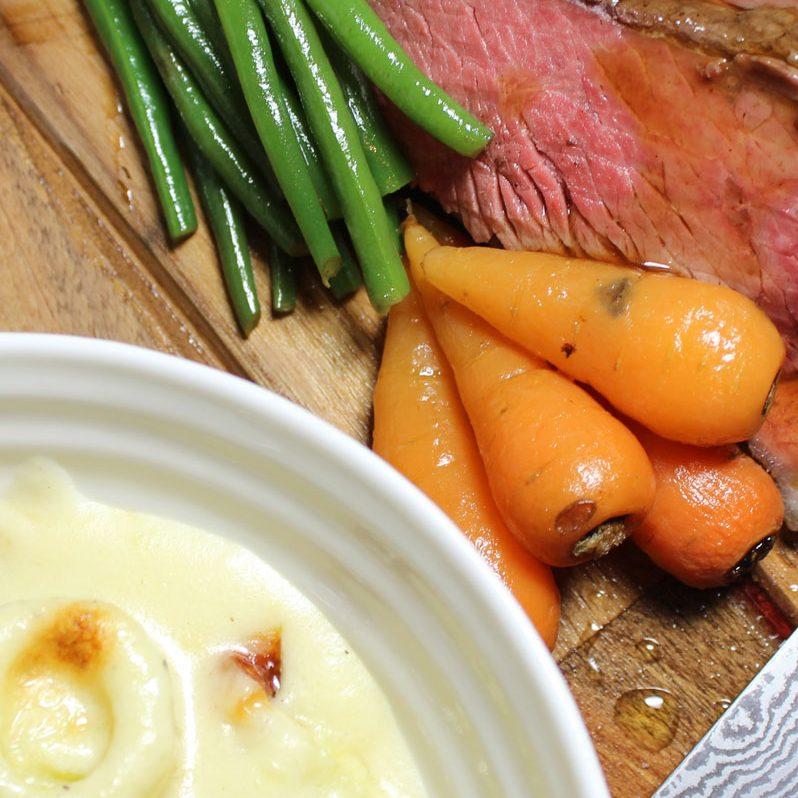 Roast Beef Dinner with Leeks in Cheese Sauce