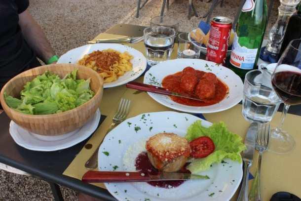 Aubergine pie in Tuscany