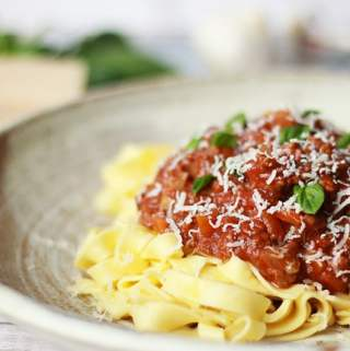 slow cooker ragu