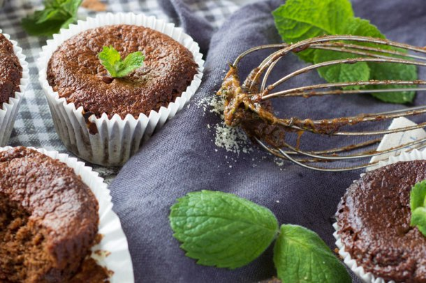 healthy mint chocolate courgette muffins