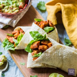 chicken wraps with beans and guacamole