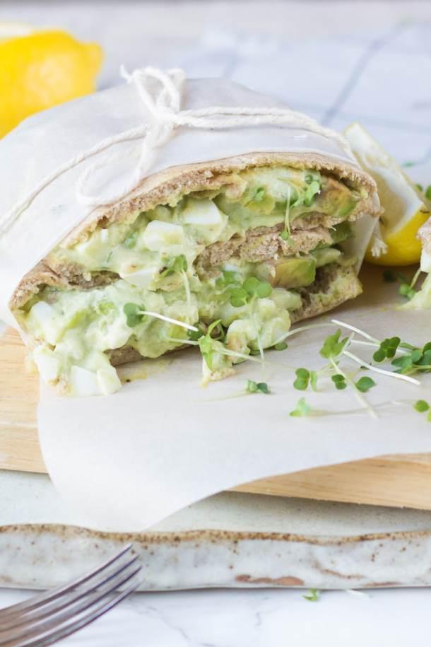 Avocado and egg sandwich with lemon juice