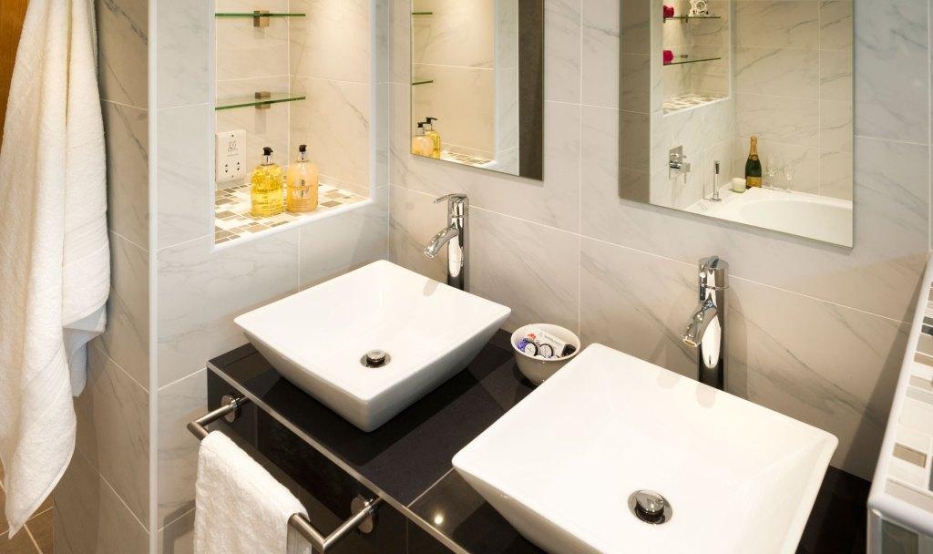 Shropshire Property Photography - Fairview - Family Bathroom