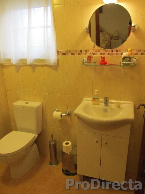 29. Ensuite Bedroom 2