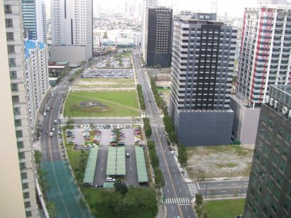 Rizal drive and 3rd ave from the 27th floor